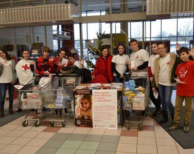 A Nagyar Vöröskereszt karácsonyi élelmiszergyűjtésé